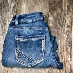Maurice's light washed capris size 1/2